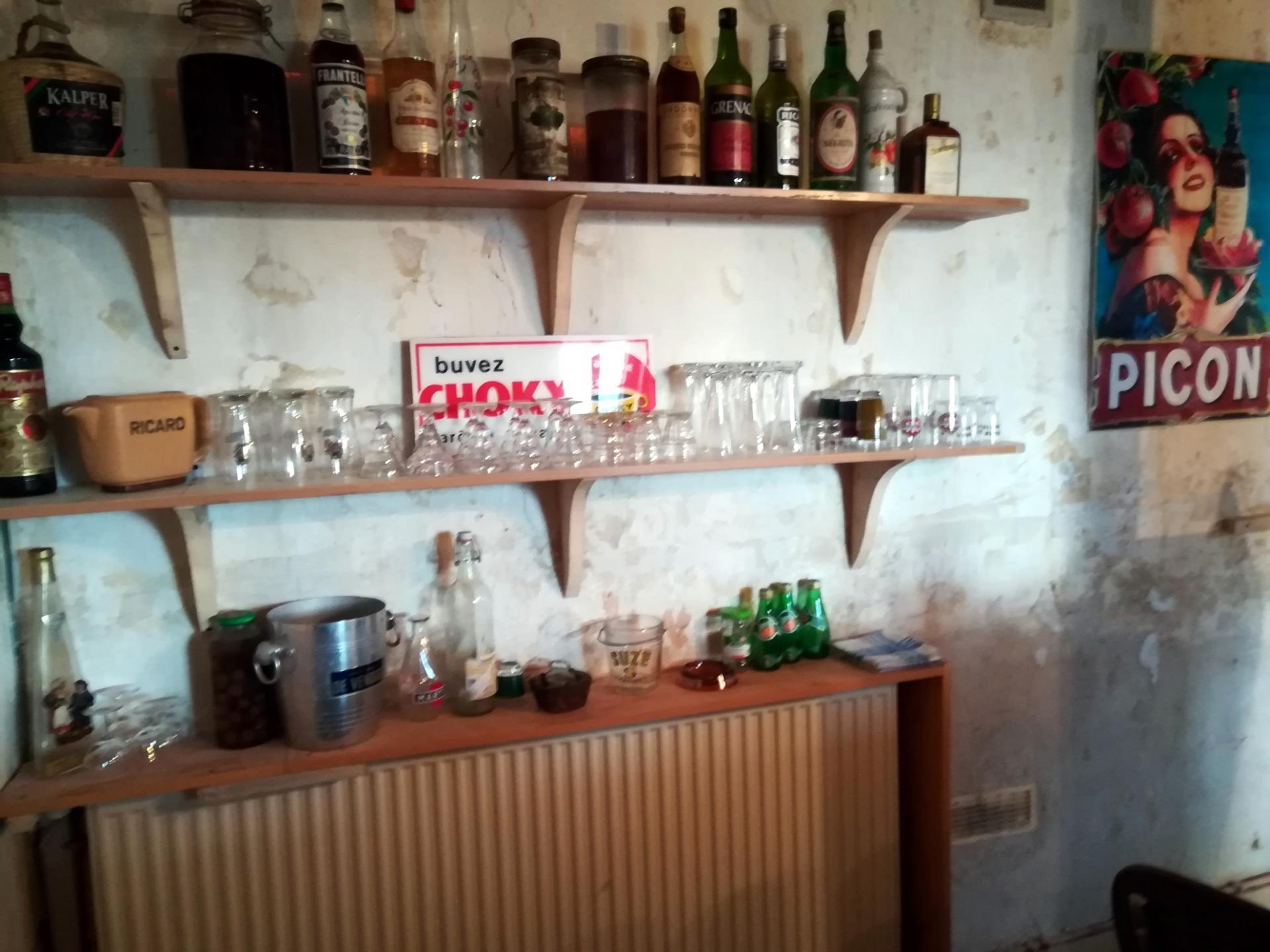 Bar 03
